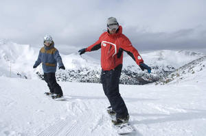 Beginner_snowboarders_2